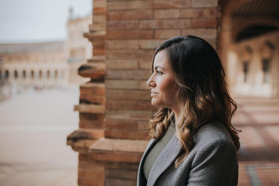 Sesión de fotos en pareja en Sevilla Plaza de España