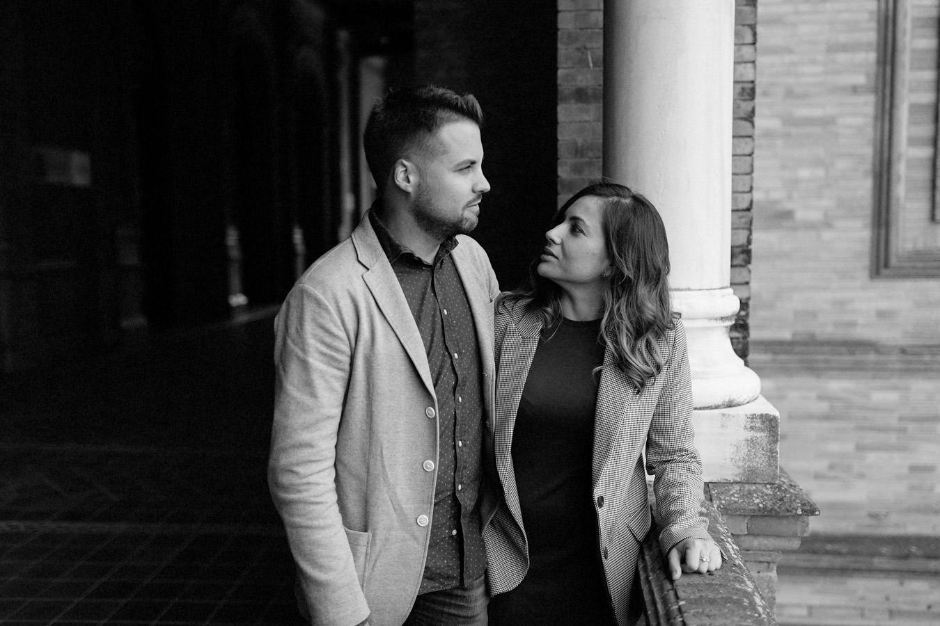 Sesión de fotos de pareja en Sevilla Plaza de España