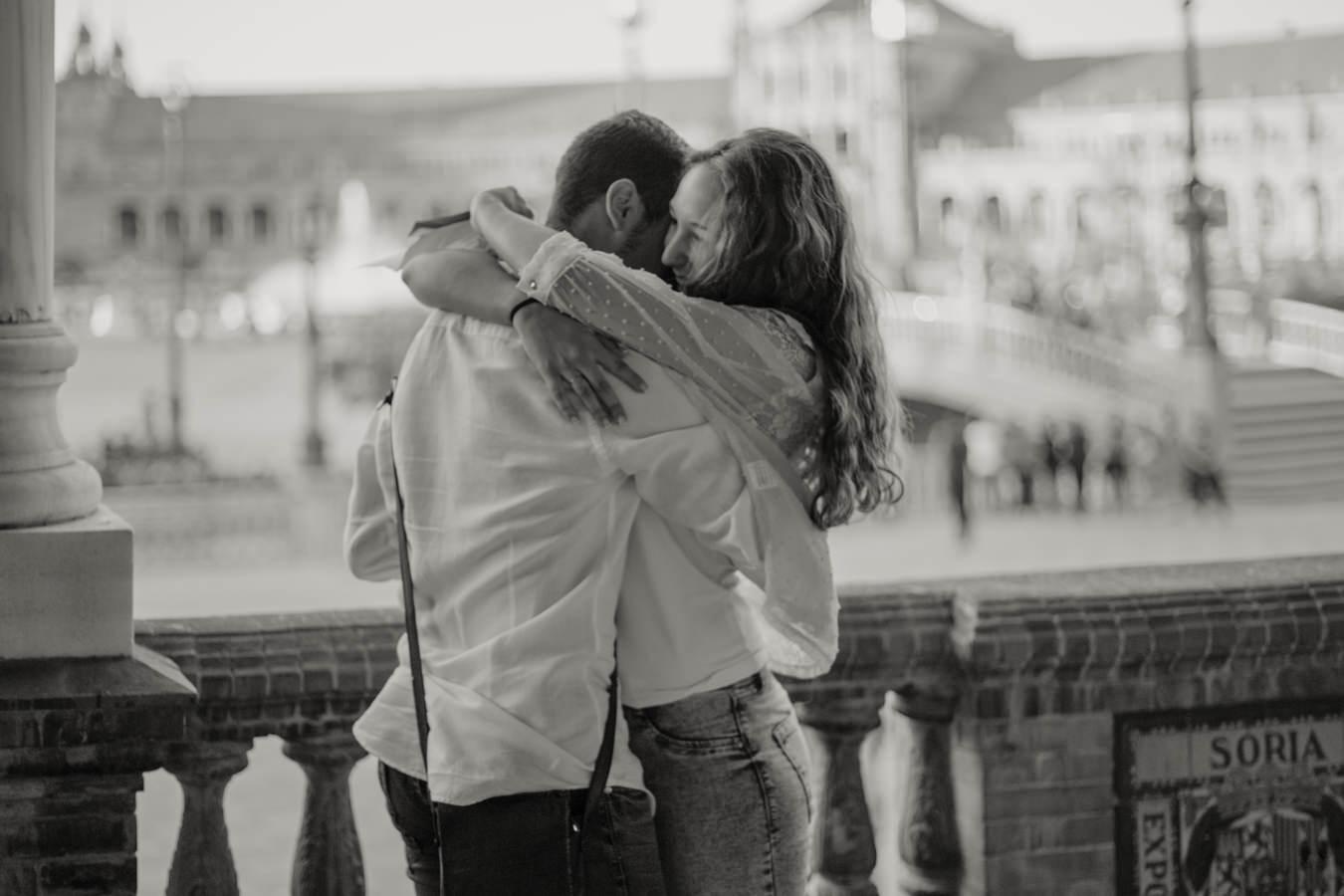 ¿A quién no le gustaría vivir la experiencia de una romántica pedida de mano en Sevilla?