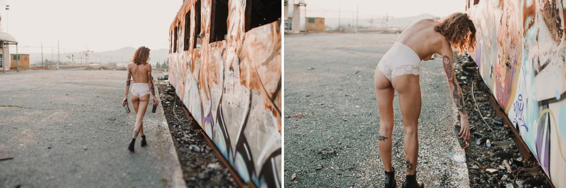 fotografo para fotografia de moda en sevilla en exteriores. Modelo con lenceria