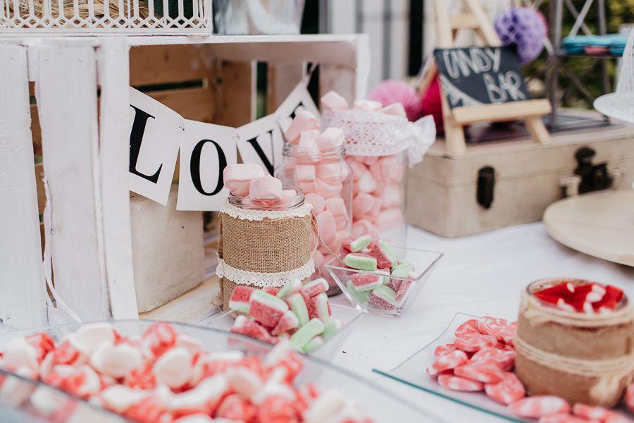 Mesa dulce de boda en Salón Leyva Linares 01
